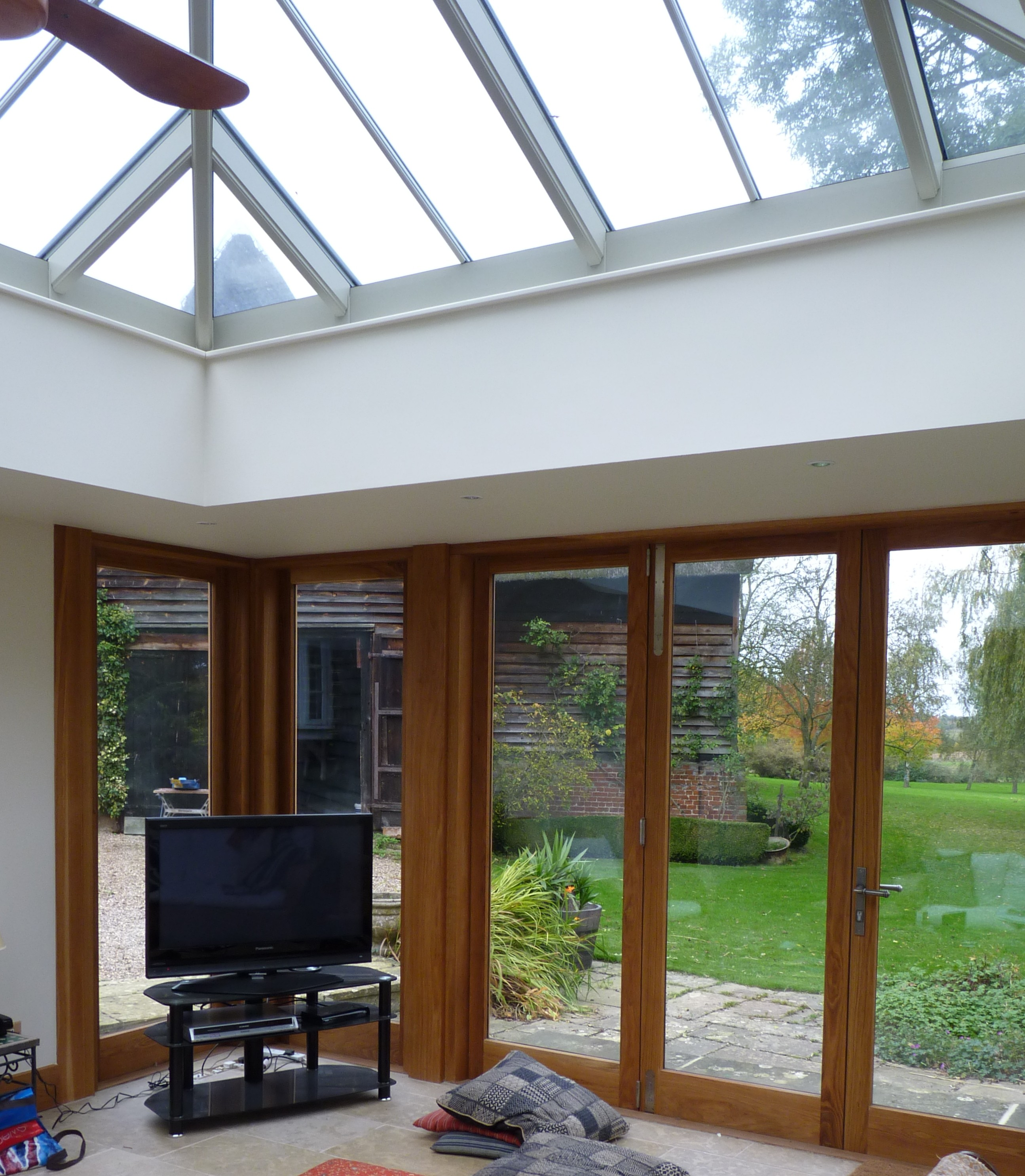 Garden rooms roof lights orangeries harrier gd for Garden room definition