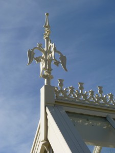 Small thistle and finial